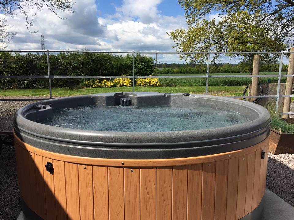outdoor tubs view of with beach size hot sales retailers jacuzzi tub glamorous near full me landscape dealers acrylic