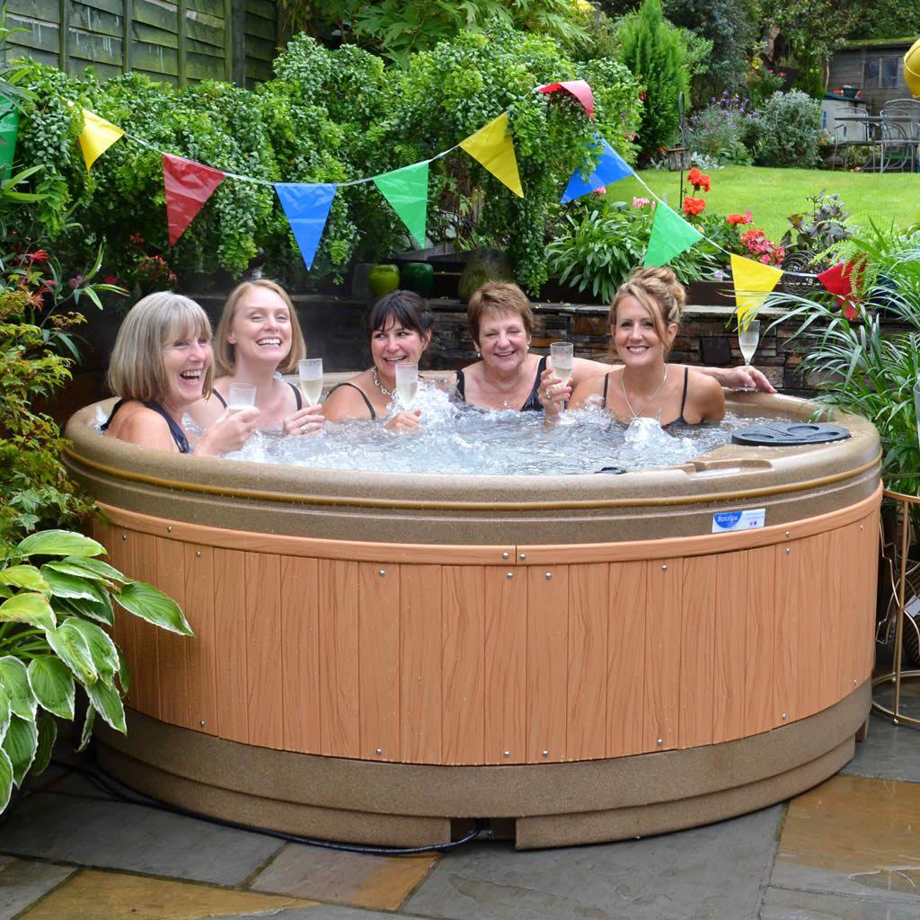 Quatro hot tub in Barnsley